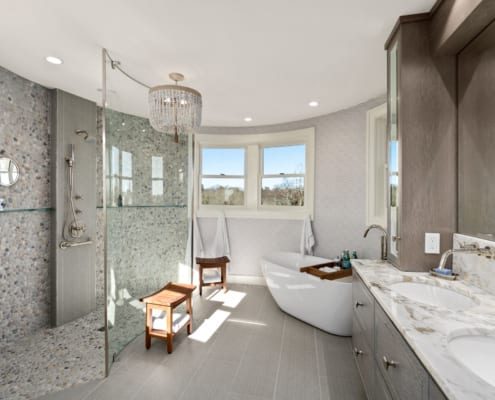 Newport-Seaside-Turret-Master-Bath-Curved-Glass