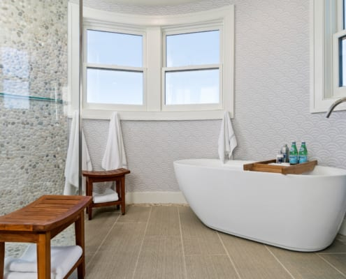 Newport-Seaside-Turret-Master-Bath-Soaking-Tub