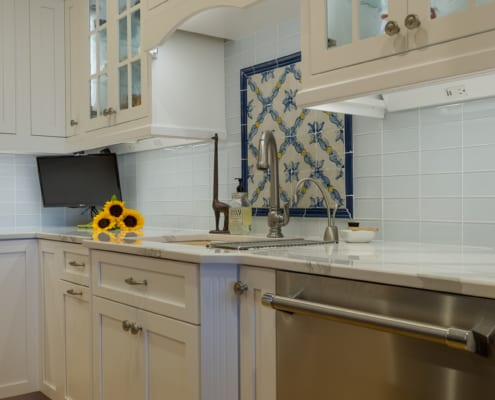 Shabby-Chic-Newport-Kitchen-Mosaic
