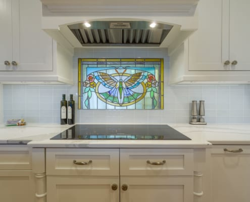 Shabby-Chic-Newport-Kitchen-Stained-Glass