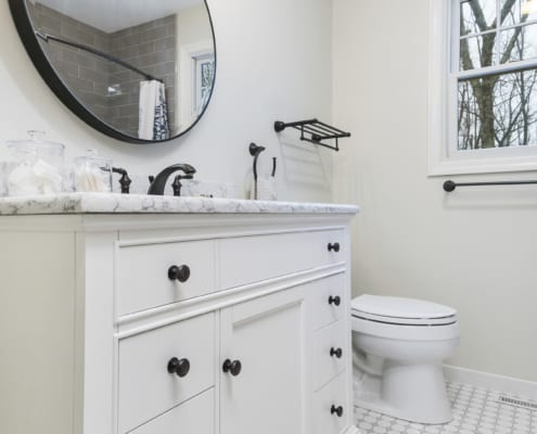 Timeless-Traditional-Bathroom-Colton-Mirror