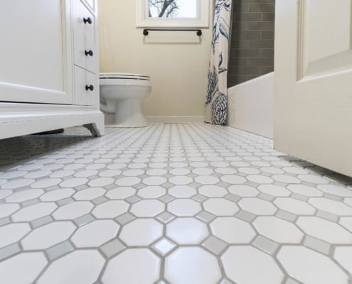 Timeless-Traditional-Bathroom-Daltile-Octagon