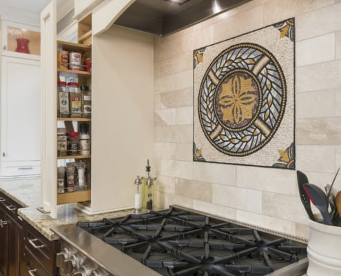 Traditional-Gourmet-Kitchen-Mozaico-Medallion