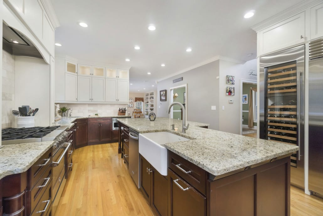 Traditional Gourmet Kitchen