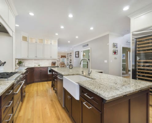 Traditional-Gourmet-Kitchen-Two-Tone-SubZero