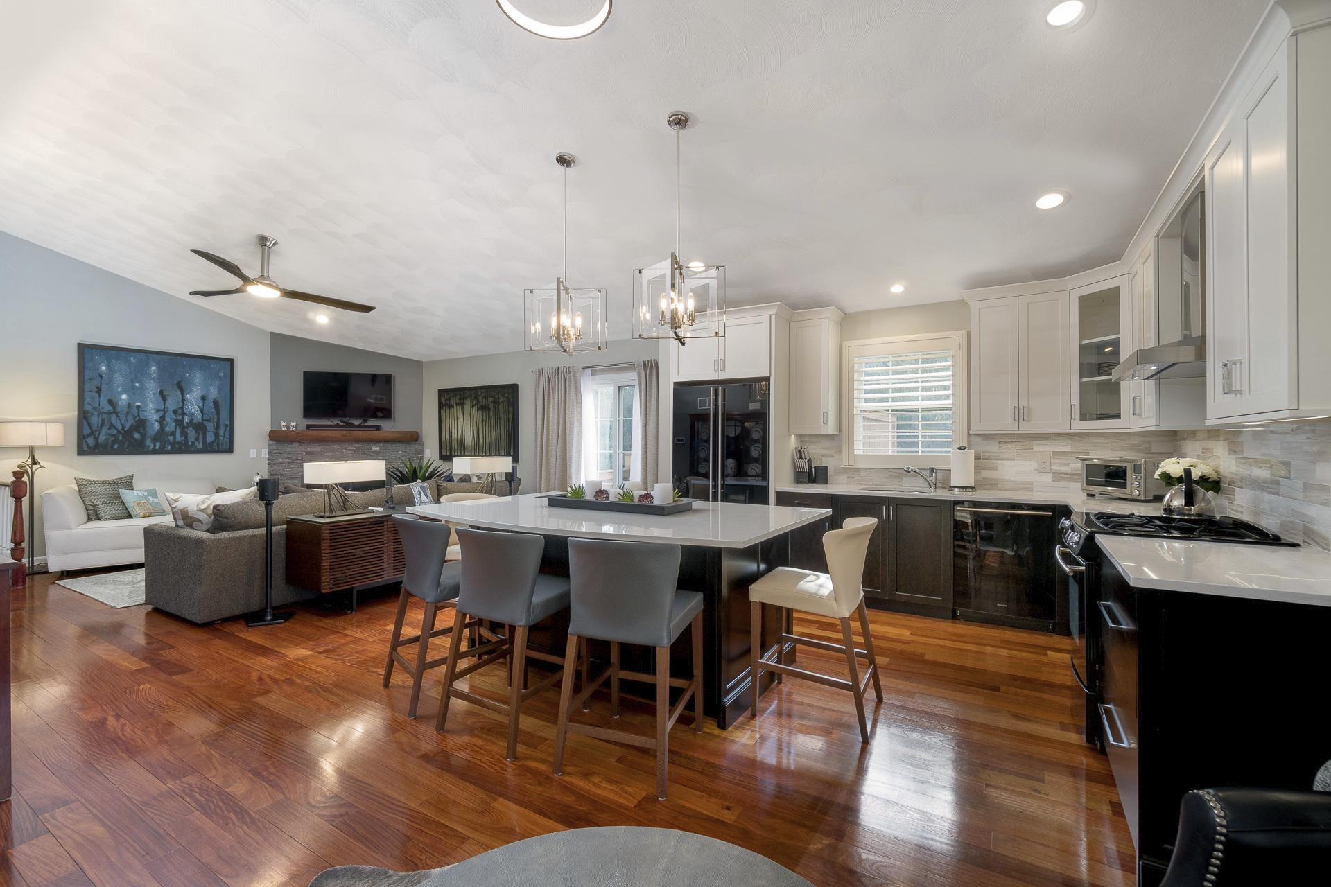 Two Tone Modern Kitchen Rhode Kitchen Bath Design Build