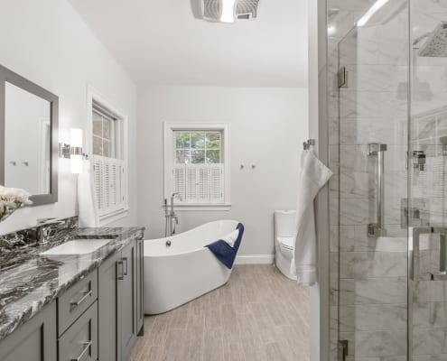 Luxurious Narragansett Master Bathroom