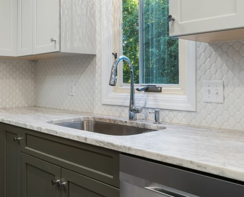 Stylish Two-Toned Kitchen Sink