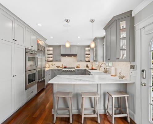 gray-transitional-kitchen