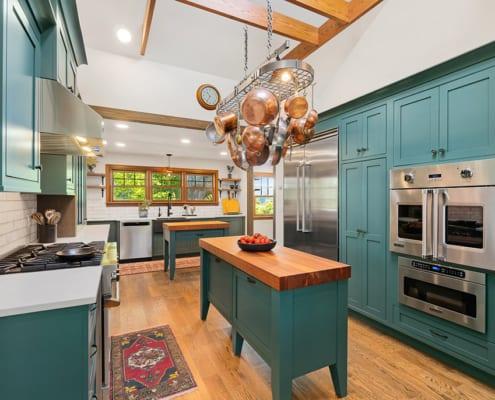 green-kitchen-pots-and-pans-storage